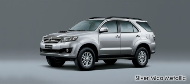 silver-mica-metallic-fortuner 2013