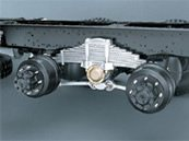 Mitsubishi Fuso FV5138 at Soni Motors Thailand comes with trunnion suspension